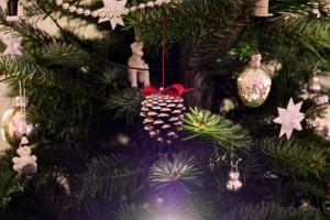 Tannenzapfen-Christbaum