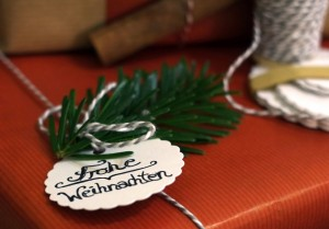 weihnachtsgeschenke-einpacken