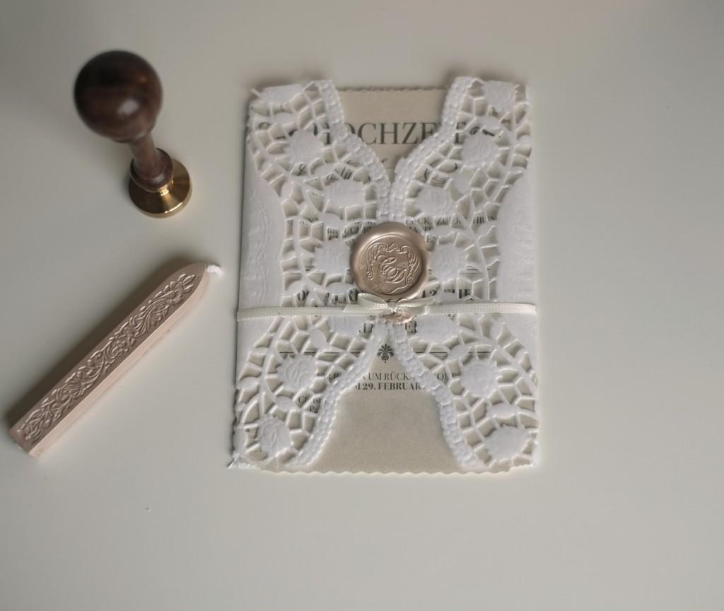 Vintage Hochzeitseinladung mit Siegel