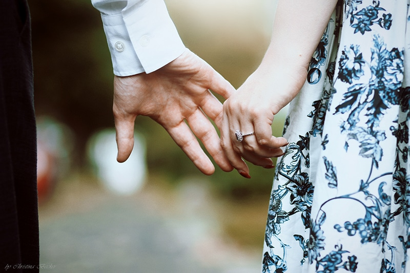 Bindungsangst: Pärchen Hände